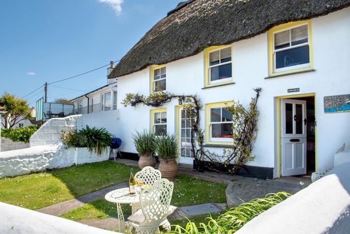 Walled cottage gardens