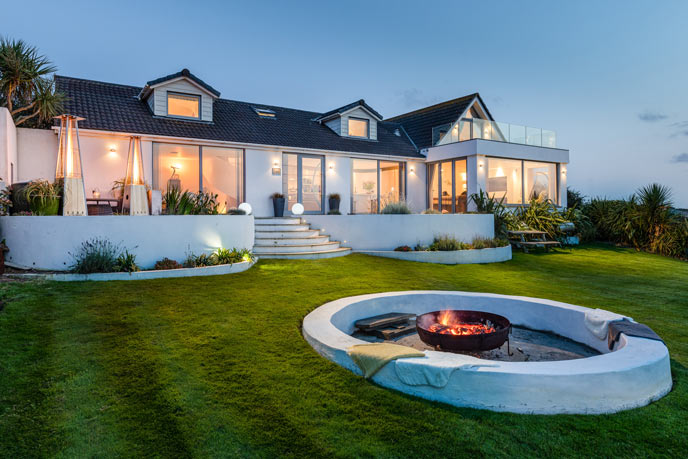Outdoor lighting and ambience