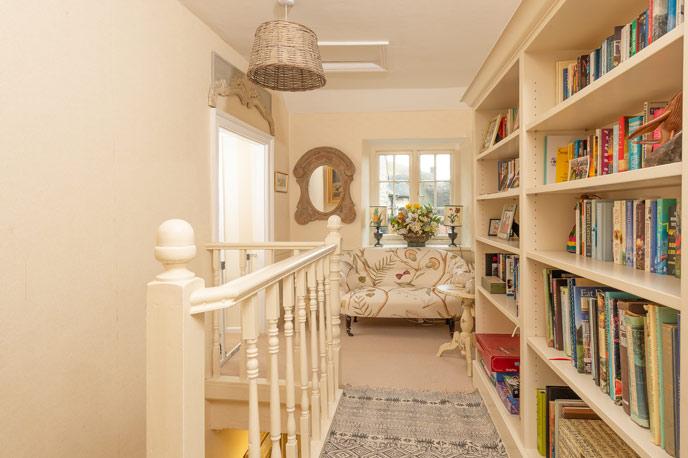 Books to read on a rainy day - Oak House