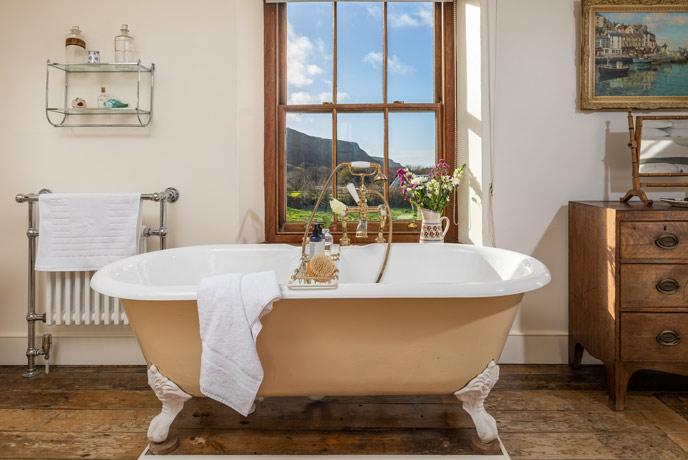 Meadowgate bath