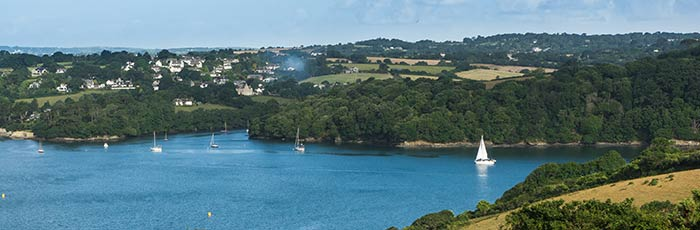 Sailing around the Roseland Peninsula