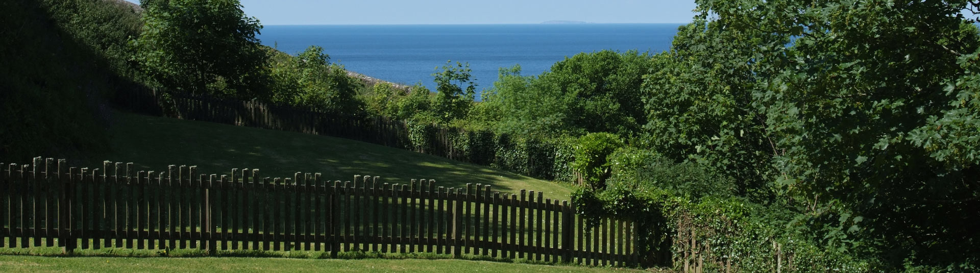 Holiday cottages with enclosed gardens in The West Country