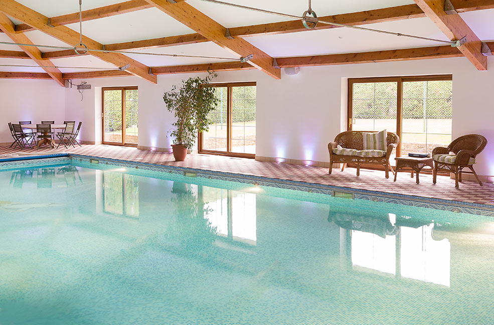 Holiday cottages with indoor pools classic cottages for Luxury cottages with indoor swimming pool