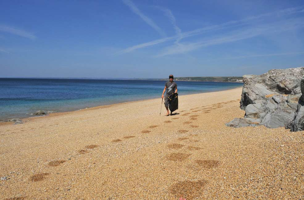 Loe Bar Beach Clean