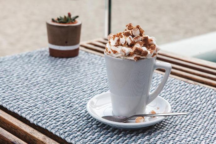 Gylly Beach Cafe hot chocolate