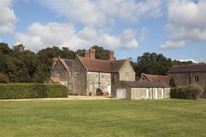 A royal history: The story of Barton Manor Farmhouse