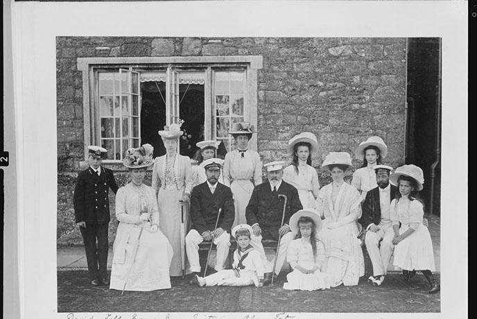 The Russian and English Royal families at Barton Manor