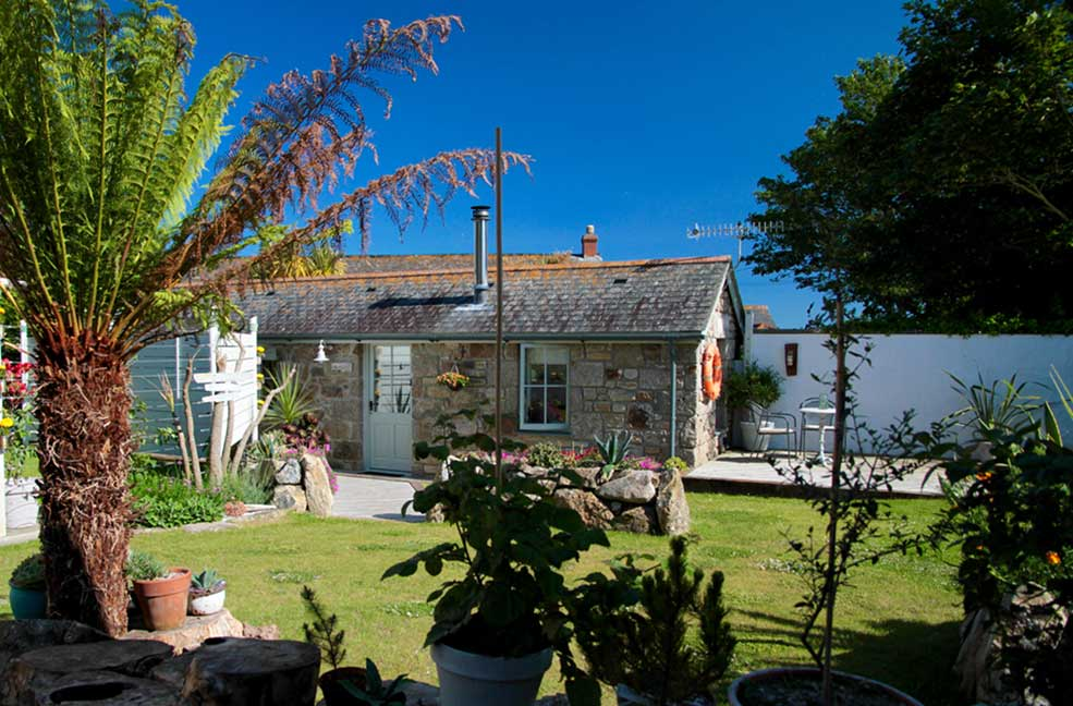 A beautiful bolthole for two - start planning your romantic walking holiday in Cornwall.