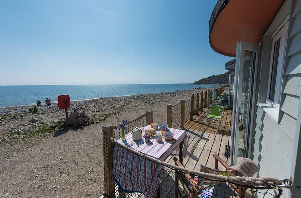 Possibly the closest to the coast path you can get, the Chalet on the Beach lets you step straight out of your door on to the sand.