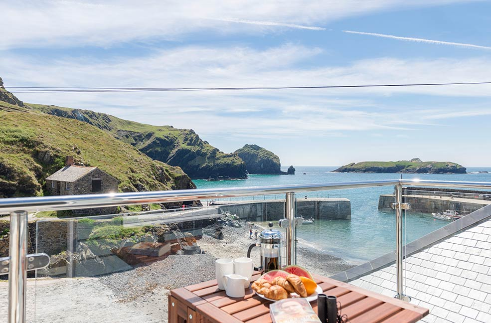 Named after the Poldark heroine, Demelza has a beautiful view of Mullion cove.