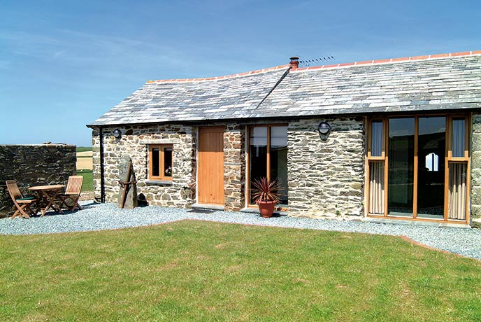 Truly secluded in the middle of fields and a far-reaching view of the Cornish clifftops.