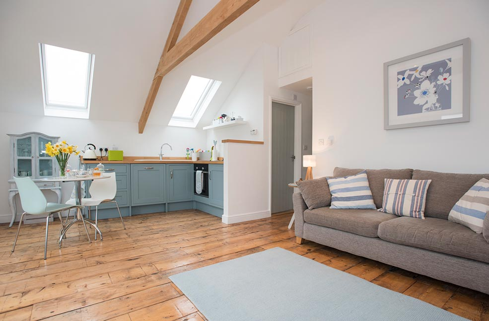Cosy up in this beautiful west Cornwall apartment near Cape Cornwall, St Michael's Mount, Sennen Cove and the Minack Theatre.