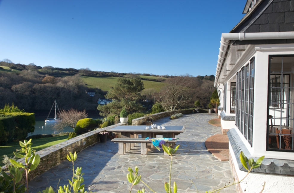Watch the world sail by from the windows of Weatheroak on the Roseland Peninsula.