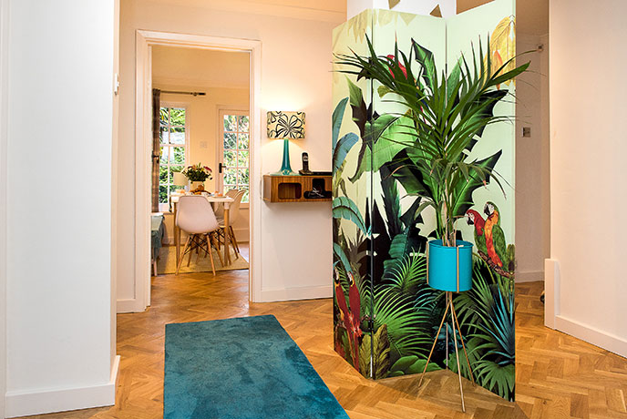 Tropical details transport you to sunnier climes in Cornwall.