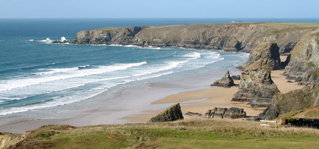 Bedruthan Steps beach by andybullock77