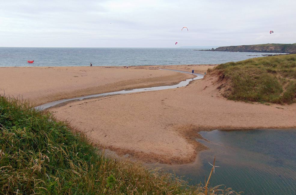 Huge beaches make the pefect playground for dogs and children. Plan your next holiday in Devon with Classic Cottages.