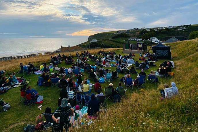 Bedruthan hosting the Miracle Theatre