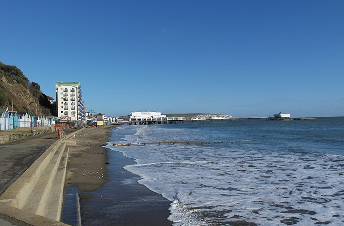 Sandown beach looking lovely in the sunshine