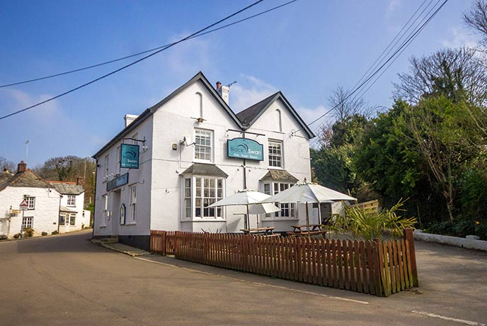 A cosy pub and restaurant in the middle of Gweek in Cornwall.