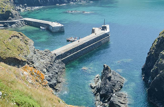 Mullion Cove harbour is picturesque and pretty no matter the time of year.