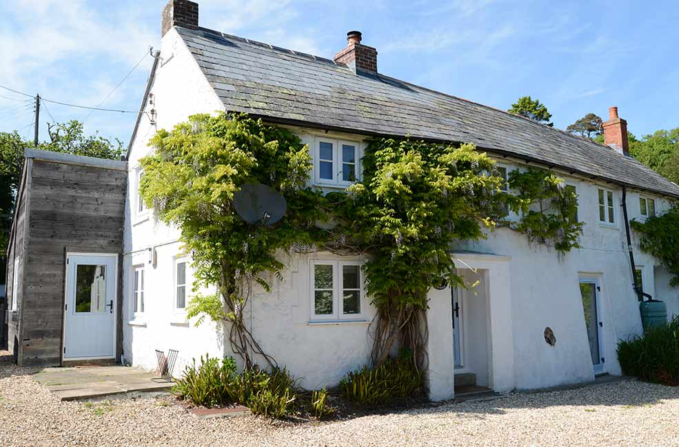 Dairy Cottage is a pretty old dairy with all the ingredients for a perfect holiday.