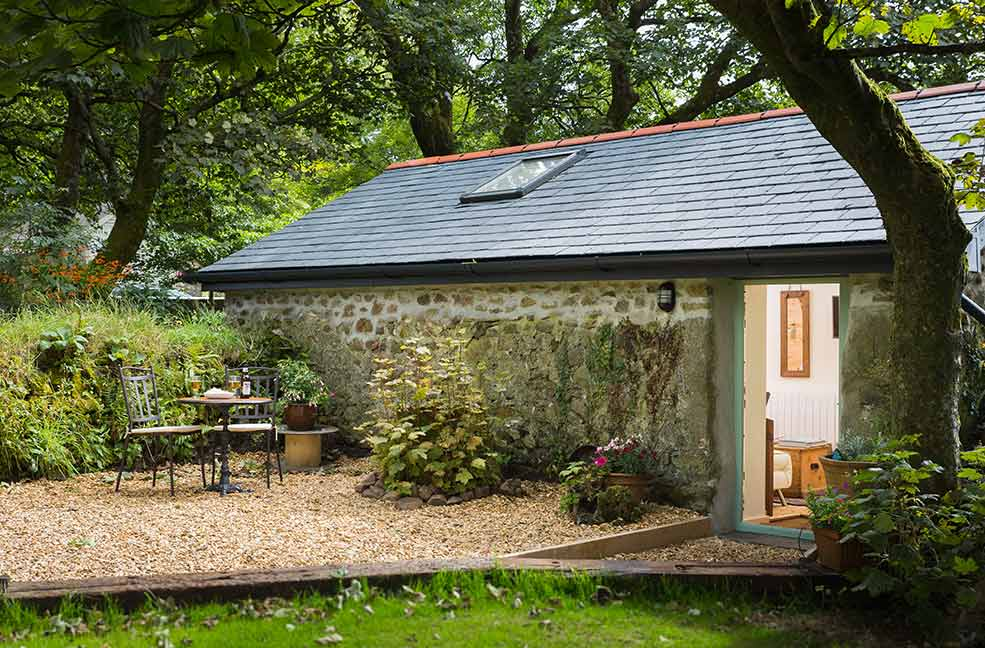 Cosy summer evenings at the Potting Shed in Cornwall.