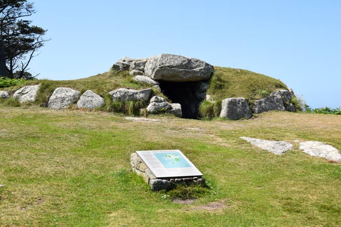 Innisidgen Upper burial chamber, St Mary's