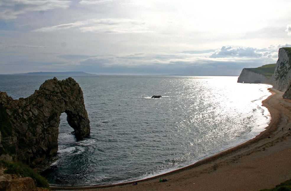 Durdle Door is a cool geological feature to discover and this beach has an amazing view of the sea.