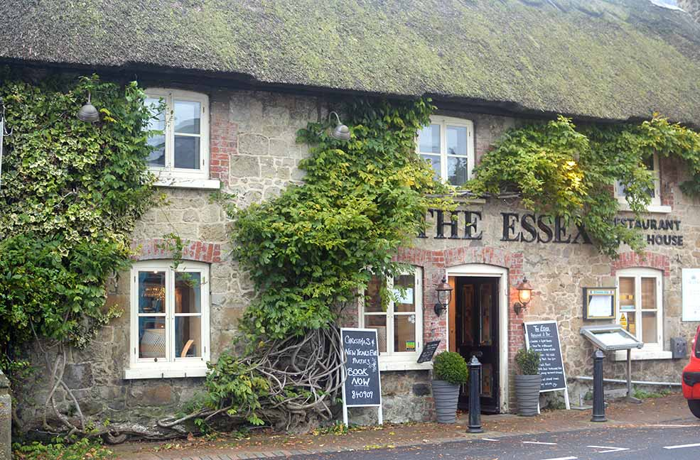 The Essex is a pretty restaurant both outside and in, mainly because of it's traditional thatched roof.