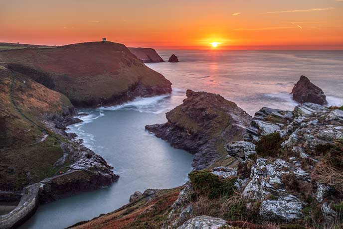 A stunning winter sunset from Boscastle in Cornwall.