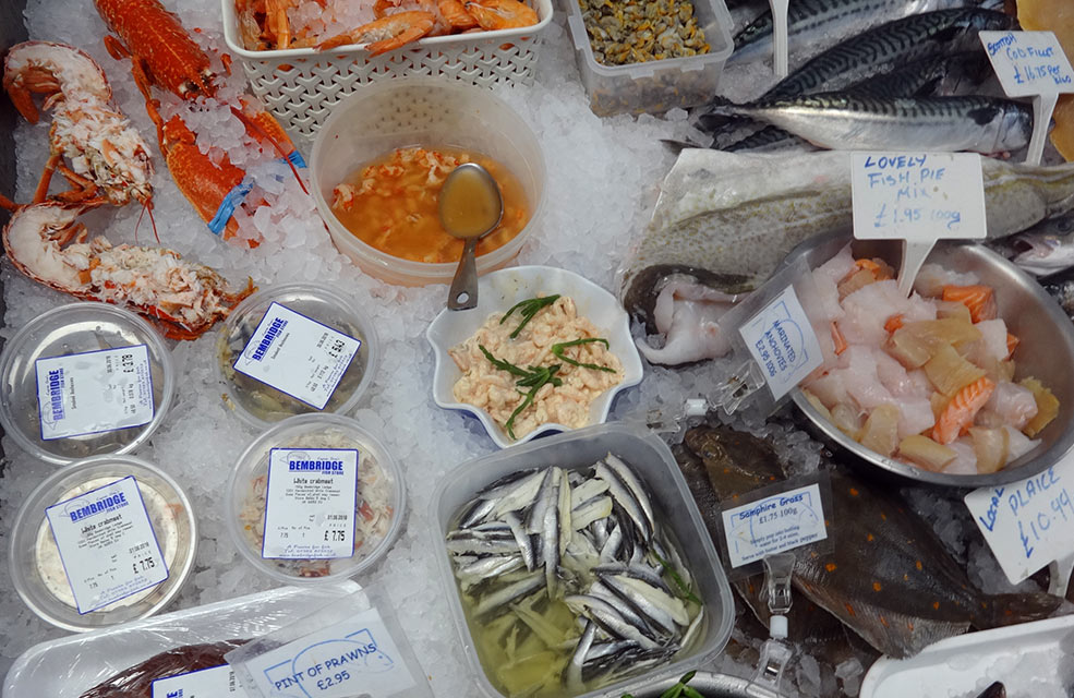 Captain Stan's offer up lots of seafood options for you to take back to your IOW holiday cottage.