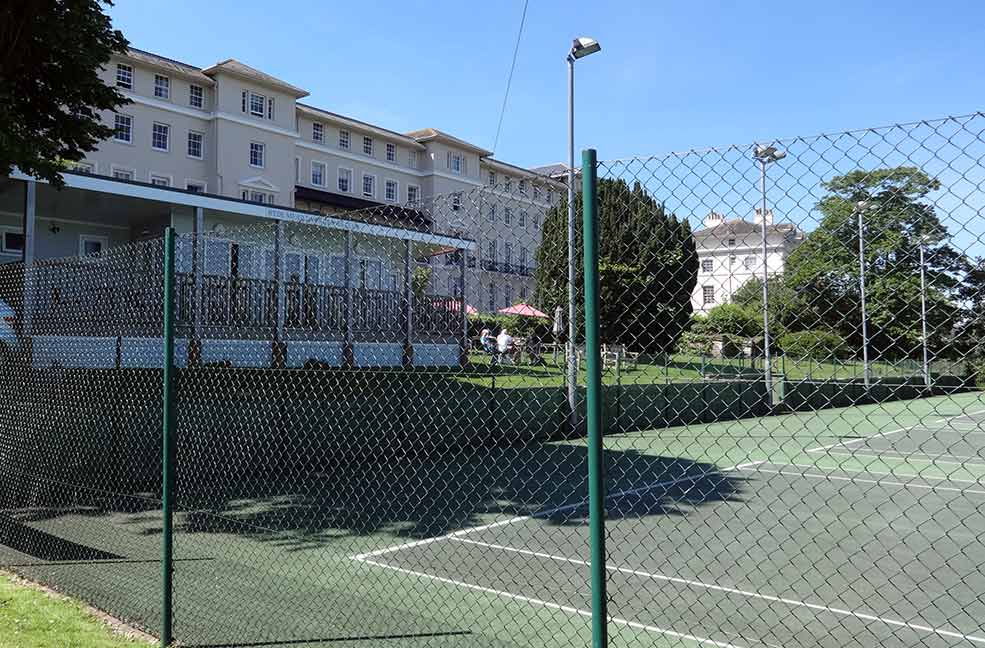 Watch the tennis matches from the veranda of the Courtside Cafe in Ryde.