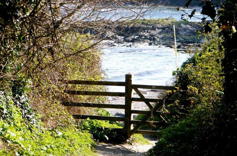 Menabilly gate