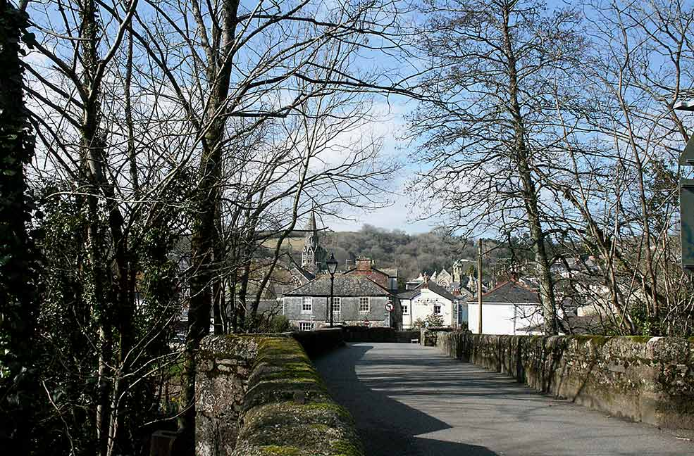 Lostwithiel bridge road