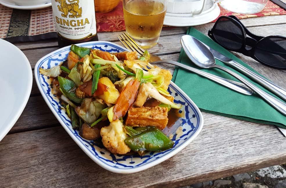 Ocean and Earth thai food