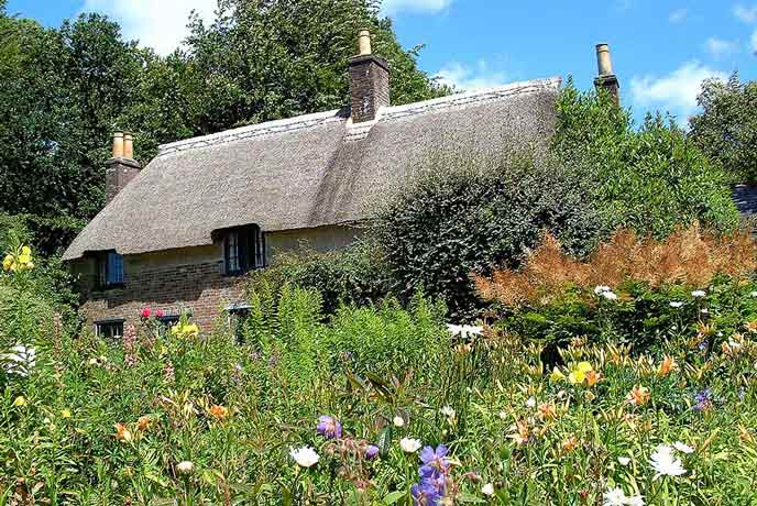 The thatched roof of Hardy's cottage takes you back to a simpler life in the Dorset countryside.