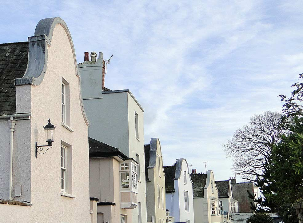 A walk through Topsham town, the art of architecture in south Devon
