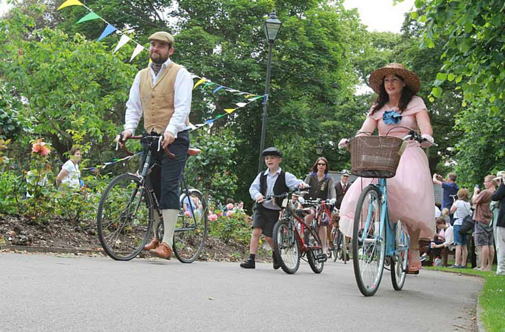 Velo Vintage Cycling in the South West