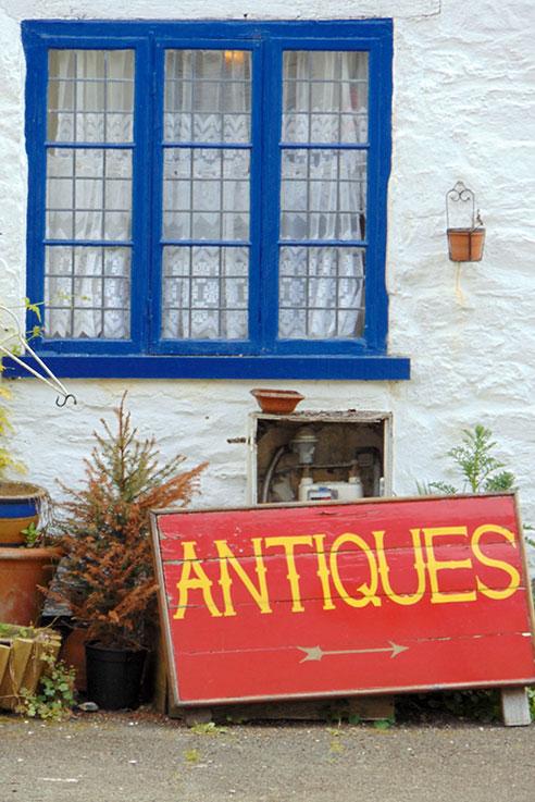 Antiques shop Buckfastleigh