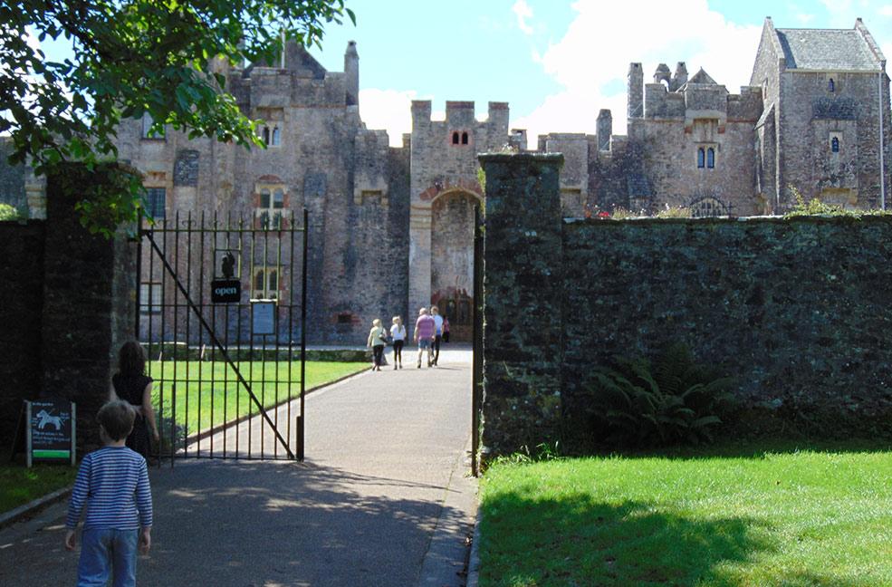 Tudor Day at Compton Castle