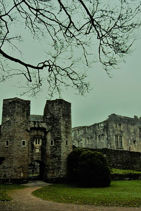 Berry Pomeroy Castle haunted