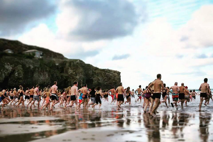 Join the locals of St Agnes for a group swim on Christmas morning.