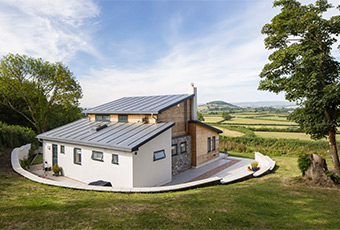 Grand design holiday cottage with rural views
